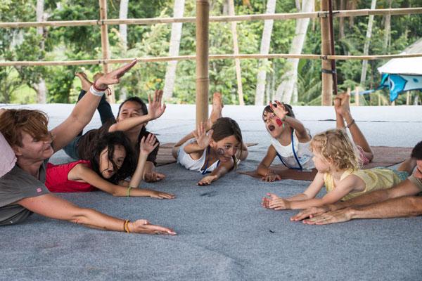 Yoga op zuiderstrand